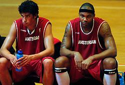 03-05-2007 BASKETBAL: AMSTERDAM ASTRONAUTS - MATRIXX MAGIXX: AMSTERDAM<br /> Amsterdam wint de vierde wedstrijd in de playoffs en zet de stand weer op 2-2 / Stefan Wessels<br /> ©2007-WWW.FOTOHOOGENDOORN.NL