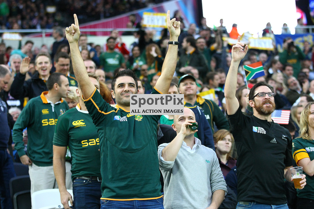 Springbok fans celebrate a try. Rugby World Cup group game from Pool B between South Africa and USA at The Stadium. Queen Elizabeth Olympic Park. (c) Matt Bristow | SportPix.org.uk