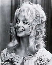 1972, Film Title: BUTTERFLIES ARE FREE, Director: MILTON KATSELAS, Studio: COLUMBIA, Pictured: 1972, GOLDIE HAWN, EATING, TONGUE, BOUFFANT, HAIR. (Credit Image: SNAP/ZUMAPRESS.com) (Credit Image: © SNAP/Entertainment Pictures/ZUMAPRESS.com)