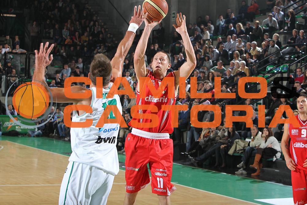 DESCRIZIONE : Treviso Lega A 2010-11 Benetton Treviso Cimberio Varese<br /> GIOCATORE : Jobey Thomas<br /> SQUADRA : Cimberio Varese<br /> EVENTO : Campionato Lega A 2010-2011 <br /> GARA : Benetton Treviso Cimberio Varese<br /> DATA : 06/11/2010<br /> CATEGORIA : Tiro<br /> SPORT : Pallacanestro <br /> AUTORE : Agenzia Ciamillo-Castoria/G.Contessa<br /> Galleria : Lega Basket A 2010-2011 <br /> Fotonotizia : Treviso Lega A 2010-11 Benetton Treviso Cimberio Varese<br /> Predefinita :