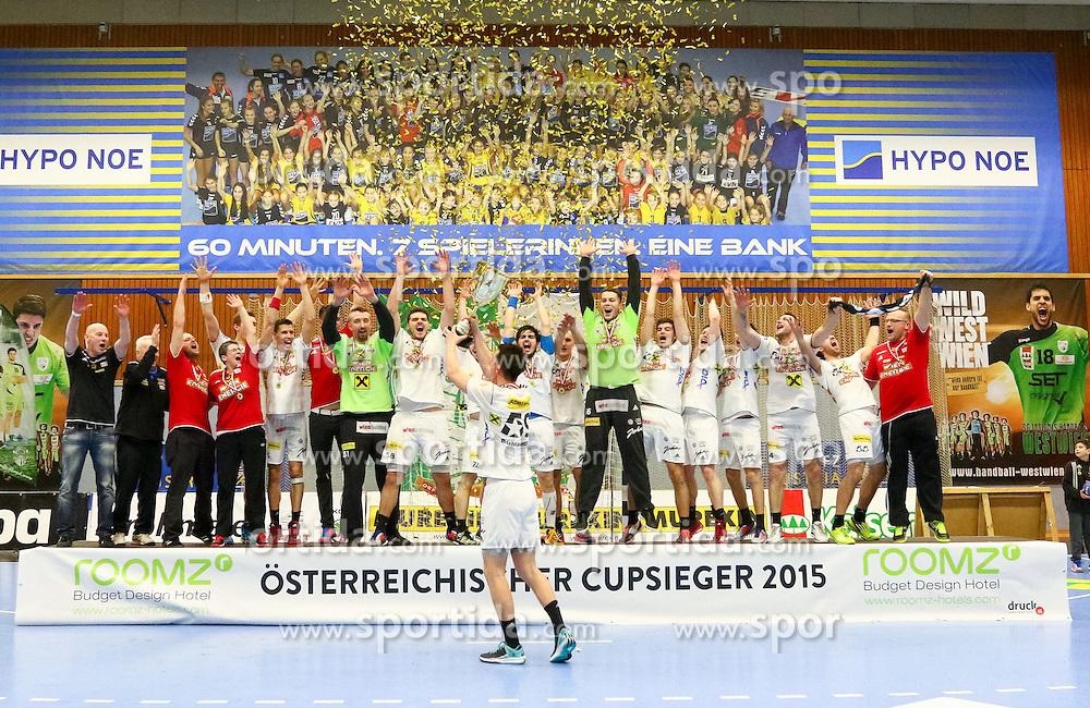 28.03.2015, BSFZ Suedstadt, Maria Enzersdorf, AUT, ÖHB Cup, Finale Männer, Bregenz Handball vs HC Fivers WAT Margareten, im Bild die Mannschaft der Fivers// during the ÖHB Cup men's finale Match between Bregenz Handball and HC Fivers WAT Margareten at the BSFZ Suedstadt, Maria Enzersdorf, Austria on 2015/03/28, EXPA Pictures © 2015, PhotoCredit: EXPA/ Sebastian Pucher