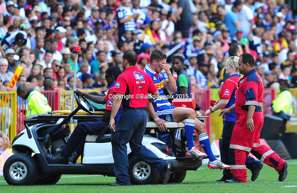 Louis Schreuder of the Stormers leaves the field after picking up an injury during the 2015 Super Rugby game between the Stormers and the Chiefs at Newlands Stadium, Cape Town on 14 March 2015 ©Ryan Wilkisky/BackpagePix