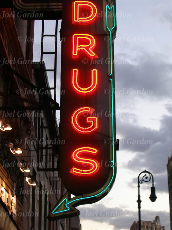 Drug strore neon Drugs sign