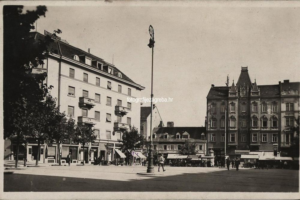 Zagreb : Pejačevićev trg. <br /> <br /> Impresum[S. l. : S. n., 1934].<br /> Materijalni opis1 razglednica : tisak ; 9 x 14 cm.<br /> Vrstavizualna građa • razglednice<br /> ZbirkaZbirka razglednica • Grafička zbirka NSK<br /> Formatimage/jpeg<br /> PredmetZagreb –– Britanski trg<br /> SignaturaRZG-BRIT-2<br /> Obuhvat(vremenski)20. stoljeće<br /> NapomenaRazglednica je putovala 1934. godine.<br /> PravaJavno dobro<br /> Identifikatori000952436<br /> NBN.HRNBN: urn:nbn:hr:238:915214 <br /> <br /> Izvor: Digitalne zbirke Nacionalne i sveučilišne knjižnice u Zagrebu