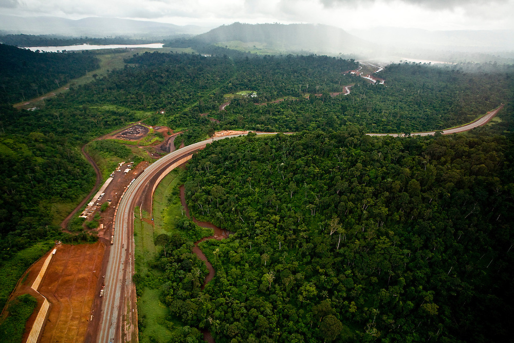 Parauapebas_PA, Brasil. ..Desmatamento causado por mineradora na floresta amazonica- Floresta Nacional de Carajas- Para..Deforestation caused by mining in the Amazon forest, National Forest of Carajas- Para...Foto: JOAO MARCOS ROSA / NITRO