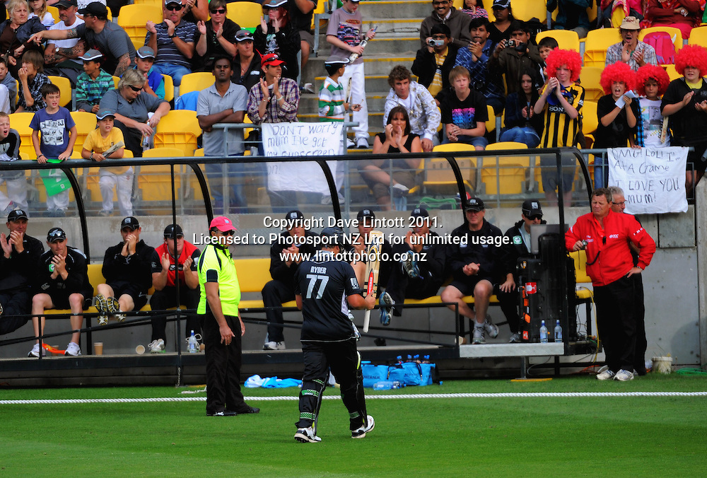 Jeese Ryder acknowledges applause from his teammates after his dismissal. First one-day international cricket match - New Zealand v Pakistan at Westpac Stadium, Wellington, New Zealand on Saturday, 22 January 2011. Photo: Dave Lintott / photosport.co.nz