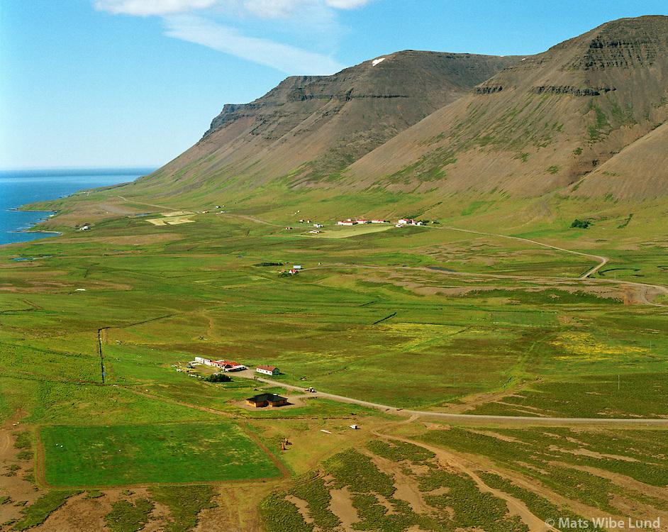 Fell séð til vesturs, Núpur í baksýni, Ísafjarðarbær áður Mýrahreppur. /.Fell viewing west. Nupur in background. Isafjardarbaer former Myrahreppur.