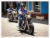 Le Moto passando a Villagrande
