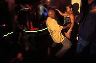 BELIZE / Belize City / People dancing at Eden Discotheque...© JOAN COSTA