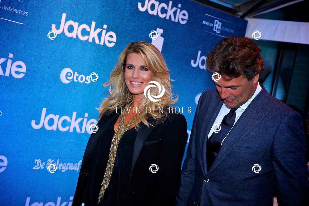 AMSTERDAM - In DeLaMar theater is de filmpremiere van Jackie.  Met op de foto Reinout en Danielle Oerlemans. FOTO LEVIN DEN BOER - PERSFOTO.NU