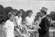 06/06/1962<br /> 06/06/1962<br /> 06 June 1962<br /> College Races at Trinity College, Dublin. Competitors in the 100yds (l-r): Sylvia Lee; Beate Wilgerly; June Gray; Lil Ganly with committee member Martin Child.