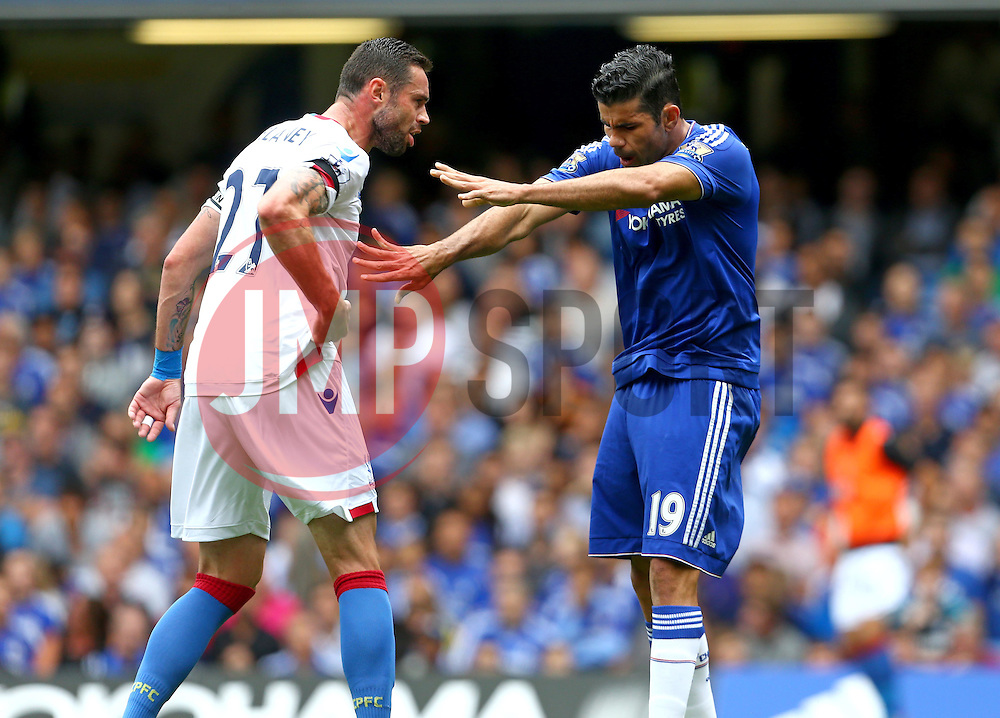 Diego Costa of Chelsea and Damien Delaney of Crystal Palace clash - Mandatory byline: Paul Terry/JMP - 07966386802 - 29/08/2015 - FOOTBALL - Stamford Bridge -London,England - Chelsea v Crystal Palace - Barclays Premier League