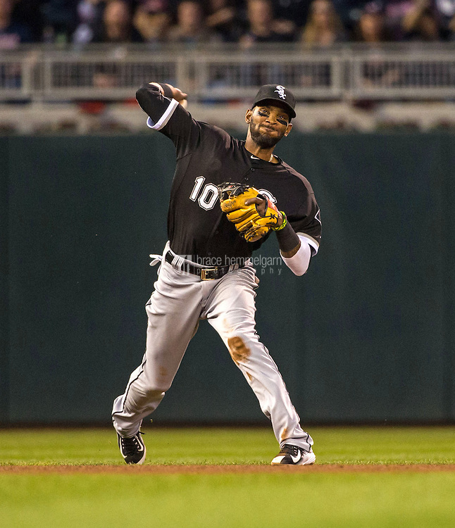 MINNEAPOLIS, MN- MAY 01: Alexei Ramirez #10 of the Chicago White Sox throws against the Minnesota Twins on May 1, 2015 at Target Field in Minneapolis, Minnesota. The Twins defeated the White Sox 1-0. (Photo by Brace Hemmelgarn) *** Local Caption *** Alexei Ramirez