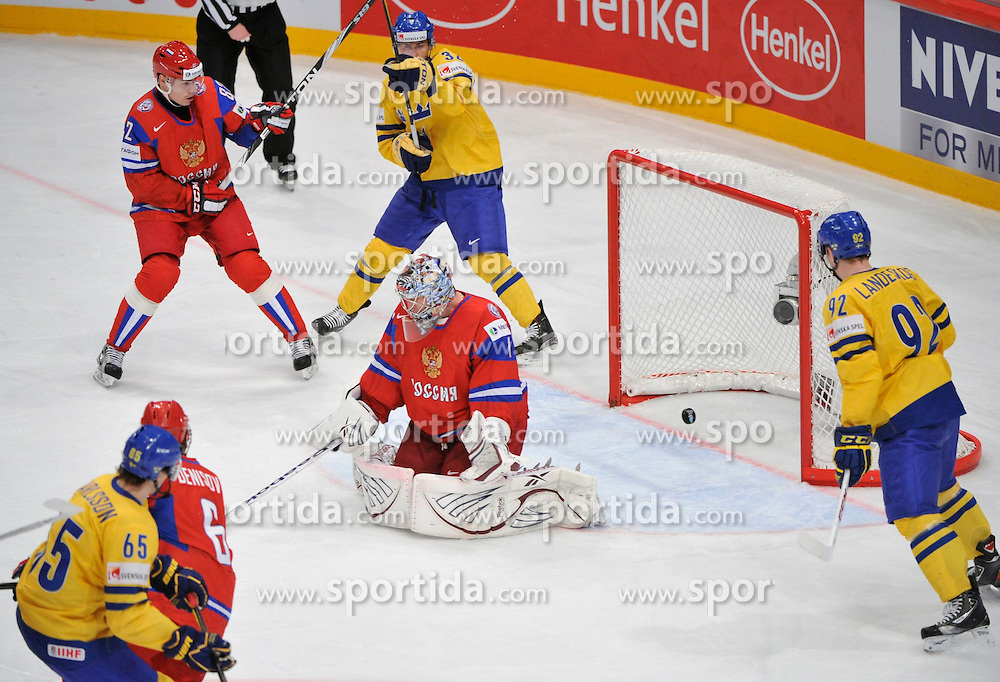 11.05.2012, Ericsson Globe, Stockholm, SWE, IIHF, Eishockey WM, Russland vs Schweden, im Bild goal Sverige Sweden 65 Erik Karlsson // during the IIHF Icehockey World Championship Game between Russia and Sweden at the Ericsson Globe, Stockholm, Sweden on 2012/05/11. EXPA Pictures © 2012, PhotoCredit: EXPA/ PicAgency Skycam/ ATTENTION - OUT OF SWE *****