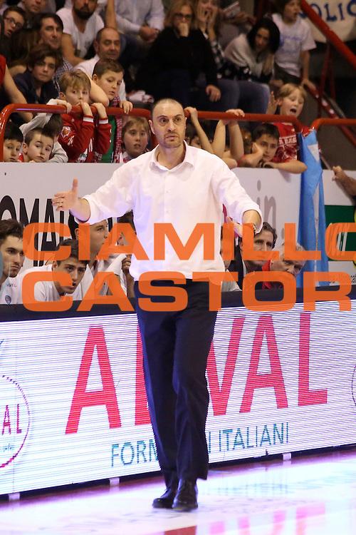 DESCRIZIONE : Campionato 2015/16 Giorgio Tesi Group Pistoia - Openjobmetis Varese<br /> GIOCATORE : Esposito Vincenzo<br /> CATEGORIA : Allenatore Coach Mani <br /> SQUADRA : Giorgio Tesi Group Pistoia<br /> EVENTO : LegaBasket Serie A Beko 2015/2016<br /> GARA : Giorgio Tesi Group Pistoia - Openjobmetis Varese<br /> DATA : 13/12/2015<br /> SPORT : Pallacanestro <br /> AUTORE : Agenzia Ciamillo-Castoria/S.D'Errico<br /> Galleria : LegaBasket Serie A Beko 2015/2016<br /> Fotonotizia : Campionato 2015/16 Giorgio Tesi Group Pistoia - Openjobmetis Varese<br /> Predefinita :