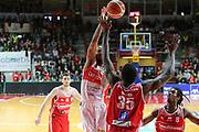pallacanestro basket campionato 2016 2017 <br /> Varese openjobmetis Vs Pesaro :<br /> Maynor Eric