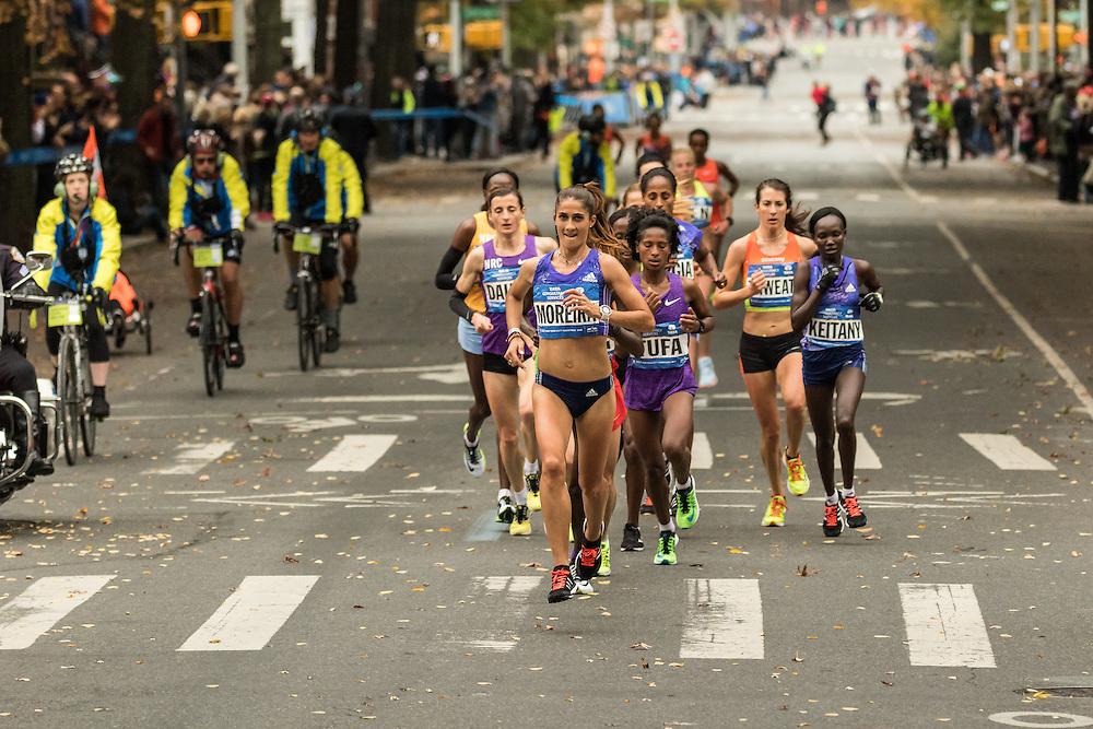 Moreira leads pack of elite women mile 8 in Brooklyn
