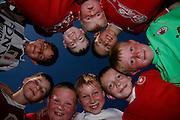 Junge Fussballer, jeunes footballeurs. © Romano P. Riedo