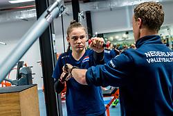 15-03-2017 NED:  Training jeugd Oranje, Arnhem<br /> Jeugd Oranje klaar voor het EK in eigen land maar eerst nog een pittige training / Sarah van Aalen #10 of Netherlands