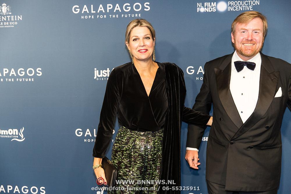 NLD/Amsterdam/20191028 - Koninklijk bezoek Premiere Galapagos, Koning Willem Alexander en Koningin Maxima