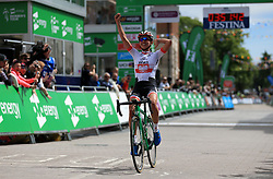 WM3 Pro Cycling's Katarzyna Niewiadoma wins the Women's Tour of Britain from Daventry to Kettering.