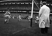 Football, Senior Semi Final, Offaly (Winner) v Roscommon, Croke Park.<br /> 20.08.1961