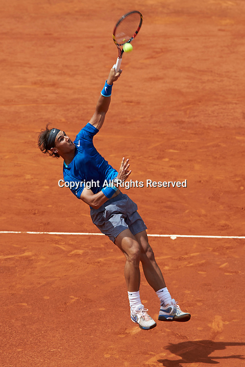 08.05.2014 Madrid, Spain. Rafael Nadal of Spain smashes the ball during the game with Jarkko Nieminen of Finland on day 5 of the Madrid Open from La Caja Magica.