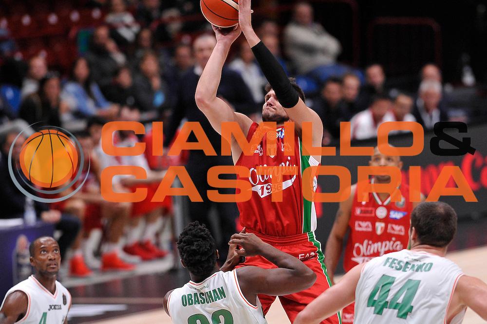 Gentile Alessandro<br /> EA7 Emporio Armani Olimpia Milano - Sidigas Avellino<br /> LegaBasket 2016/2017<br /> Milano 09/10/2016<br /> Foto Ciamillo-Castoria