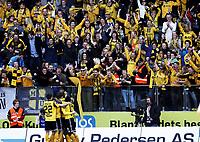 Fotball , 16. april 2011 , Tippeligaen , Eliteserien<br /> Start - Viking<br /> illustrasjon , fan , fans , scoring , publikum , jubel ,mål, Ole Martin Årst