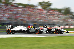 07.09.2014, Autodromo di Monza, Monza, ITA, FIA, Formel 1, Grand Prix von Italien, Renntag, im Bild Jenson Button (McLaren Mercedes) im Zweikampf mit Sergio Perez (Sahara Force India F1 Team/Mercedes) // during the race day of Italian Formula One Grand Prix at the Autodromo di Monza in Monza, Italy on 2014/09/07. EXPA Pictures © 2014, PhotoCredit: EXPA/ Eibner-Pressefoto/ Bermel<br /> <br /> *****ATTENTION - OUT of GER*****