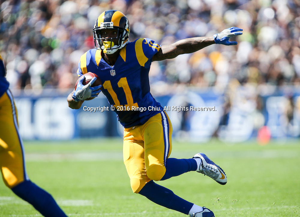 Los Angeles Rams wide receiver Tavon Austin (11) runs against Seattle Seahawks during a NFL football game, Sunday, Sept. 18, 2016, in Los Angeles. The Rams won 9-3.(Photo by Ringo Chiu/PHOTOFORMULA.com)<br /> <br /> Usage Notes: This content is intended for editorial use only. For other uses, additional clearances may be required.