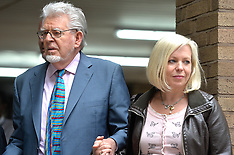JUN 02 2014 Rolf Harris leaves Southwark Court