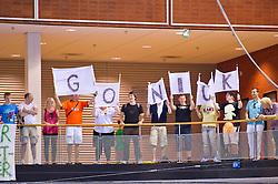02-06-2011 HANDBAL: BEKERFINALE HURRY UP - O EN E: ALMERE<br /> Publiek support voor Nick Masmeijer spandoeken banners<br /> ©2011-FotoHoogendoorn.nl / Peter Schalk
