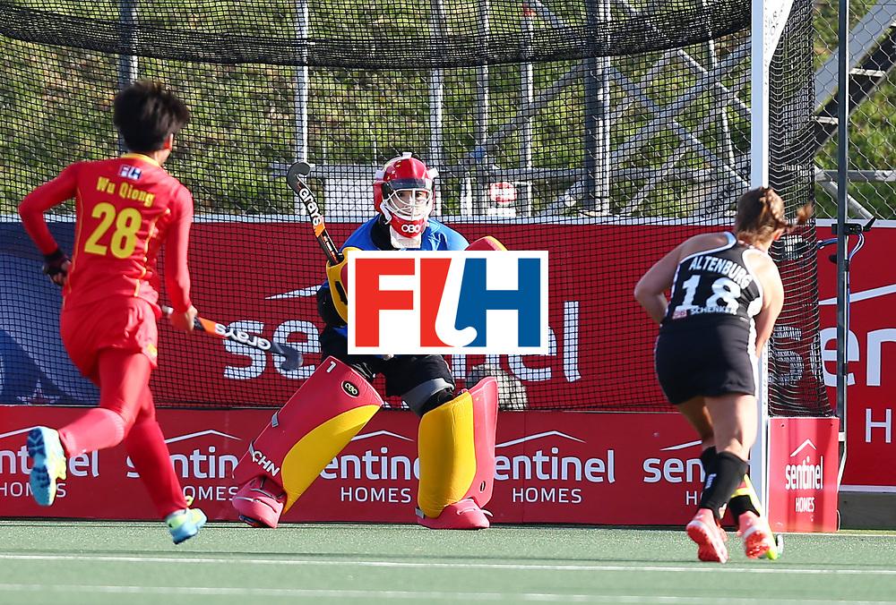 New Zealand, Auckland - 19/11/17  <br /> Sentinel Homes Women&rsquo;s Hockey World League Final<br /> Harbour Hockey Stadium<br /> Copyrigth: Worldsportpics, Rodrigo Jaramillo<br /> Match ID: 10297 - GER vs CHI<br /> Photo: (18) ALTENBURG Lisa (C) attack (1) LI Dongxiao&nbsp;(GK) (C)