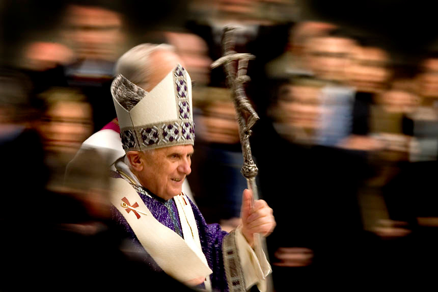 Pope Benedict XVI arrives in St. Peter's Basilica at the Vatican to lead the mass for workers  March 19, 2006.Pope Benedict XVI will be elevating 15 new cardinals,during a ceremony next friday, march 24 2006 in St.Peter's Square at the Vatican.