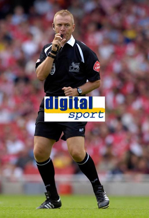 Photo: Daniel Hambury.<br />Arsenal v Aston Villa. The Barclays Premiership. 19/08/2006.<br />Referee Graham Poll.