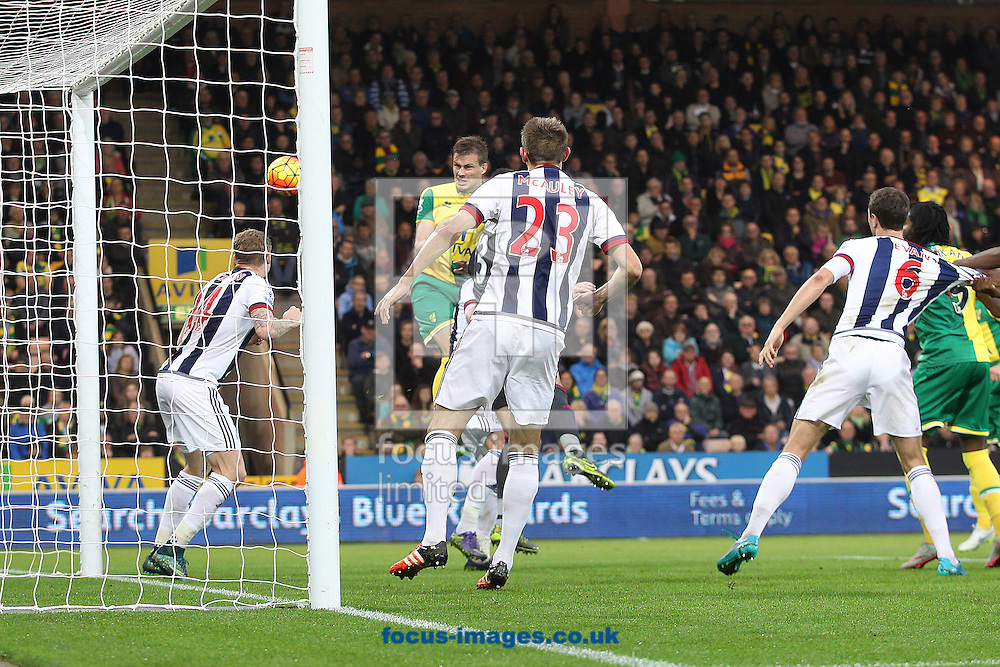 Darren Fletcher of West Bromwich Albion heads for goal during the Barclays Premier League match at Carrow Road, Norwich<br /> Picture by Paul Chesterton/Focus Images Ltd +44 7904 640267<br /> 24/10/2015