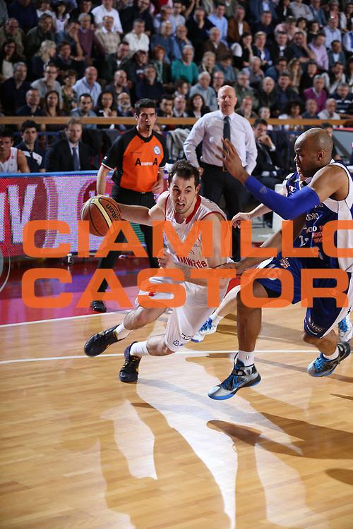 DESCRIZIONE : Reggio Emilia Lega A 2012-13 Trenkwalder Reggio Emilia Lenovo Cantu<br /> GIOCATORE : Mladen Jeremic<br /> CATEGORIA : palleggio<br /> SQUADRA : Trenkwalder Reggio Emilia <br /> EVENTO : Campionato Lega A 2012-2013 <br /> GARA : Trenkwalder Reggio Emilia Lenovo Cantu<br /> DATA : 23/04/2013<br /> SPORT : Pallacanestro <br /> AUTORE : Agenzia Ciamillo-Castoria/P. Boccaccini<br /> Galleria : Lega Basket A 2012-2013  <br /> Fotonotizia : Reggio Emilia Lega A 2012-13 Trenkwalder Reggio Emilia Lenovo Cantu