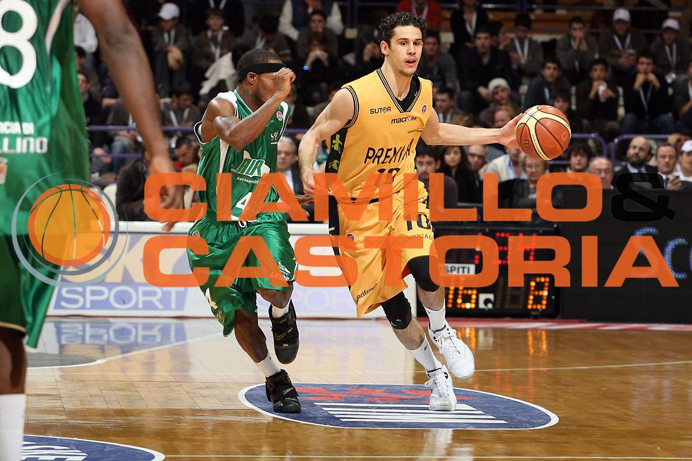 DESCRIZIONE : Bologna Final Eight 2008 Quarti di Finale Premiata Montegranaro Air Avellino<br /> GIOCATORE : Luca Vitali<br /> SQUADRA : Premiata Montegranaro<br /> EVENTO : Tim Cup Basket For Life Coppa Italia Final Eight 2008 <br /> GARA : Premiata Montegranaro Air Avellino<br /> DATA : 08/02/2008 <br /> CATEGORIA : Palleggio<br /> SPORT : Pallacanestro <br /> AUTORE : Agenzia Ciamillo-Castoria/S.Ceretti