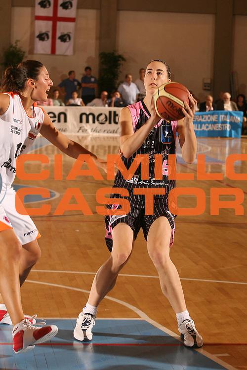 DESCRIZIONE : Cagliari Lega A1 Femminile 2006-07 Prima Giornata Famila Wuber Schio Pool Comense <br /> GIOCATORE : Silva Elisa<br /> SQUADRA : Pool Comense <br /> EVENTO : Campionato Lega A1 2006-2007 <br /> GARA : Famila Wuber Schio Pool Comense <br /> DATA : 08/10/2006 <br /> CATEGORIA : <br /> SPORT : Pallacanestro <br /> AUTORE : Agenzia Ciamillo-Castoria/S.D'Errico