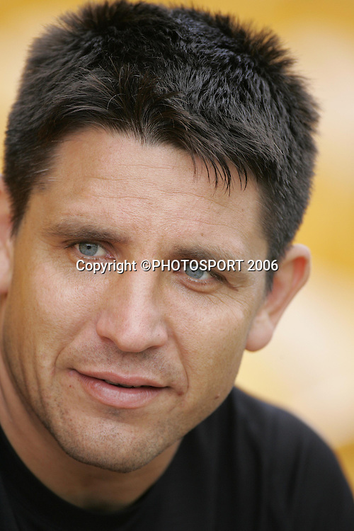 Warriors captain Steve Price during the Vodafone Warriors training session held at Ericsson Stadium, Auckland, on Wednesday 5 April, 2006. Photo: Andrew Cornaga/PHOTOSPORT<br />