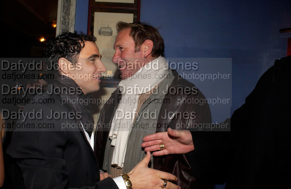 Zac Posen and Hal Rubinstein. Zac Posen Spring/ Summer collection launch party. The Blue Bar, Berkeley Hotel. London. 7 March 2004. Dafydd Jones,  ONE TIME USE ONLY - DO NOT ARCHIVE  © Copyright Photograph by Dafydd Jones 66 Stockwell Park Rd. London SW9 0DA Tel 020 7733 0108 www.dafjones.com