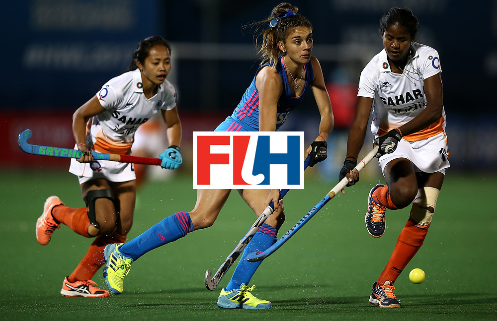 JOHANNESBURG, SOUTH AFRICA - JULY 16:  Magdalena Fernandez of Argentina controls the ball from Sushila Pukhrambam and Namita Toppo of India during day 5 of the FIH Hockey World League Women's Semi Finals Pool B match between Argentina and India at Wits University on July 16, 2017 in Johannesburg, South Africa.  (Photo by Jan Kruger/Getty Images for FIH)