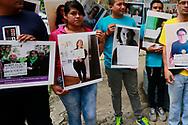 El moviendo por la despenalizacion del aborto en El Salvador entregan Jueves AGT, 10, 2017 la petición para que se realize una reforma al codigo penal para despenalizar el aborto por varias casuales esta fue a acompañada con mas de 80 mil firmas provenientes de personas de todo el mundo que piden al estado salvadoreño esta reforma. Photo: Franklin Rivera/fmln/Imagenes Libres.
