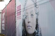 Het IJsbeelden Festival presenteert '200 jaar Koninkrijk der Nederlanden', een vorstelijke geschiedenis in ijs en sneeuw.<br /> <br /> Op de foto: entree