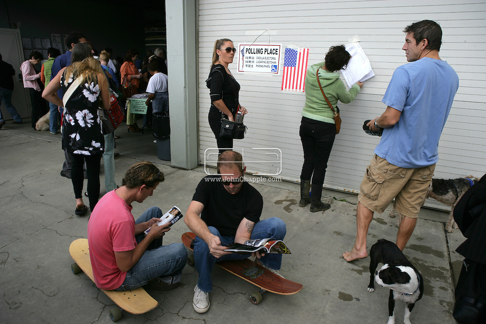 4th November 2008. Venice Beach, California. The Los Angeles County Lifeguard headquarters at Venice Beach, was used as a polling station. Voters lined up to cast their votes for the US presidential election, the close race is between Democrat, Barack Obama and Republican John McCain. PHOTO © JOHN CHAPPLE / REBEL IMAGES.john@chapple.biz    www.chapple.biz.(001) 310 570 9100.