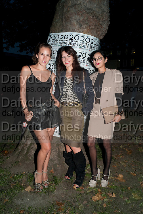 """CHARLOTTE DELLAL; LARA BOHINC; HANNAH BHUIYA;, YI ZHOU, Video artist Yi Zhou  first solo show """"I am your Simulacrum"""".Exhibition opening at 20 Hoxton Square Projects. Hoxton Sq. London. 1 September 2010.  -DO NOT ARCHIVE-© Copyright Photograph by Dafydd Jones. 248 Clapham Rd. London SW9 0PZ. Tel 0207 820 0771. www.dafjones.com."""