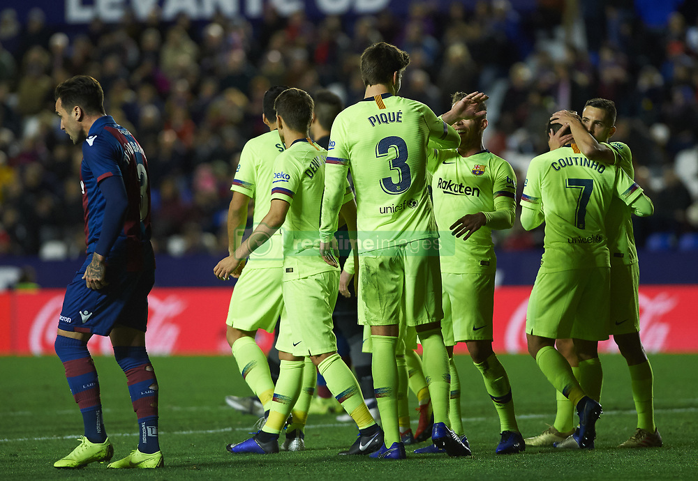 صور مباراة : ليفانتي - برشلونة 0-5 ( 16-12-2018 )  20181216-zaa-a181-053