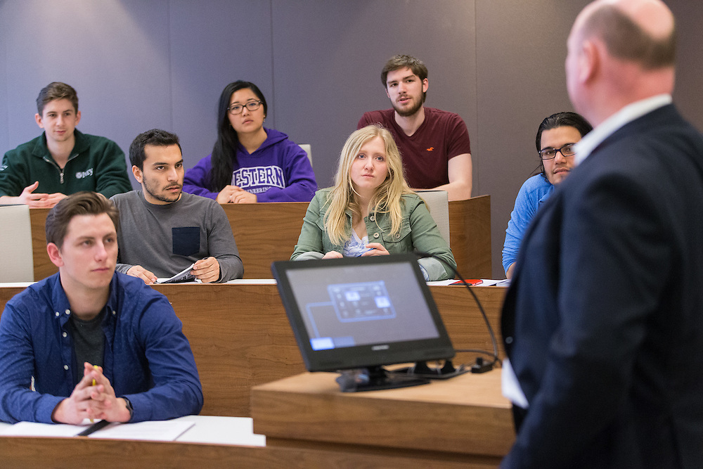 Western Engineering students on campus in London Ontario, Tuesday,  March 22, 2016.<br /> Western University/ Geoff Robins