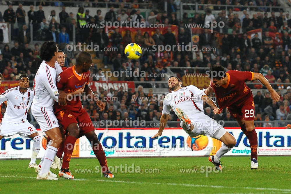 29.10.2011, Olympia Stadion, Rom, ITA, Serie A, AS Rom vs AC Mailand, im Bild l gol di Nicolas BURDISSO Roma.Goal celebration // durin the Serie A match between AS Rom vs AC Mailand, at the Olympic Stadium, Rome, Italy on 29/10/2011. EXPA Pictures © 2011, PhotoCredit: EXPA/ InsideFoto/ Andrea Staccioli +++++ ATTENTION - FOR AUSTRIA/(AUT), SLOVENIA/(SLO), SERBIA/(SRB), CROATIA/(CRO), SWISS/(SUI) and SWEDEN/(SWE) CLIENT ONLY +++++